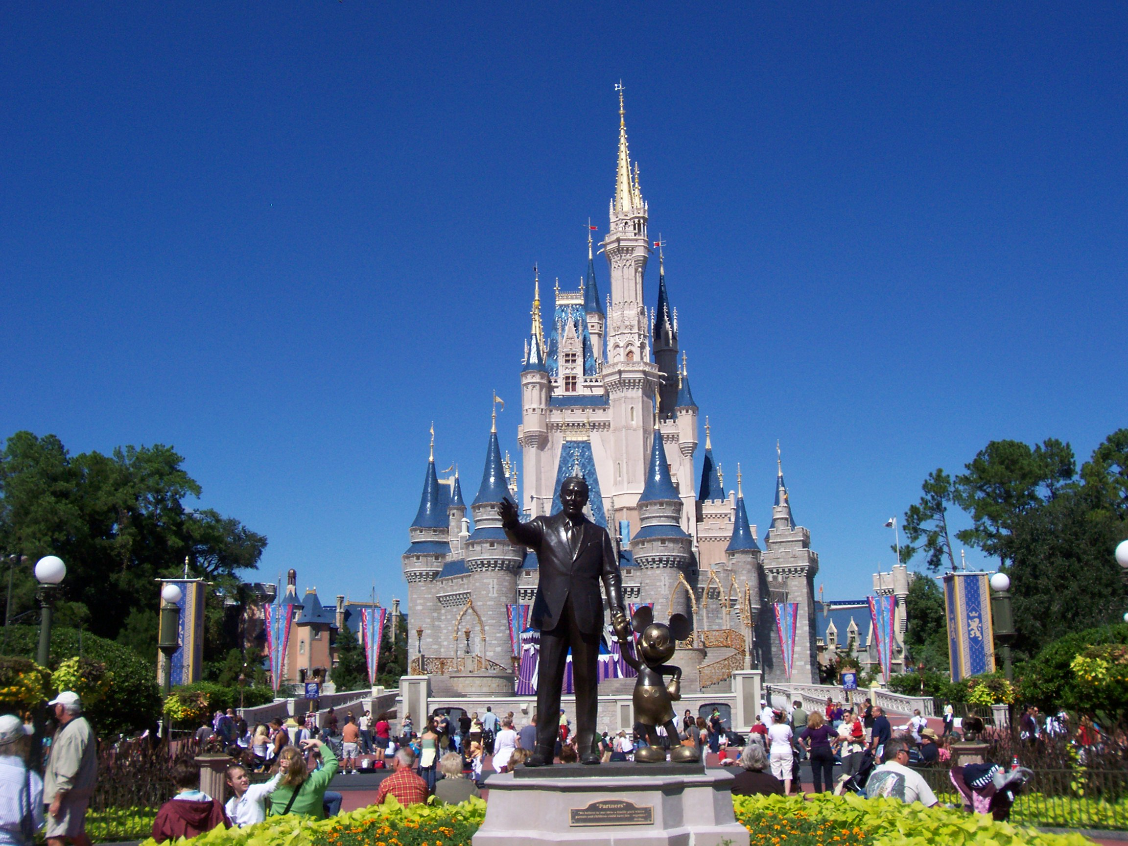 2015 dates announced for two of magic kingdom s highly anticipated
